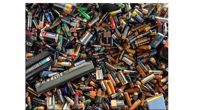 Accu's en lithium-ion batterijen vormen extra risico